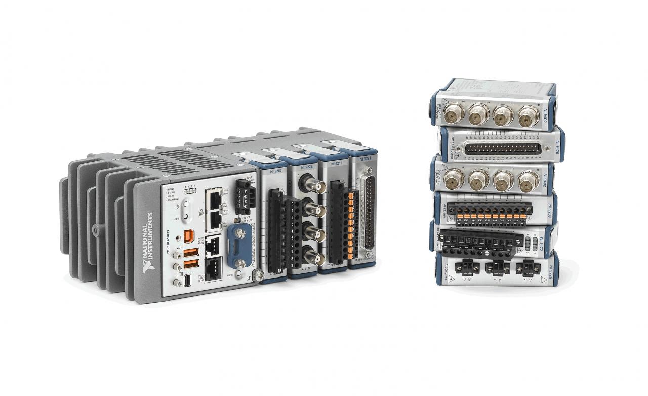 エッジ・計測制御端末には、NI社CompactRIOを採用。